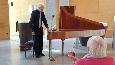 Riemer am Fortepiano